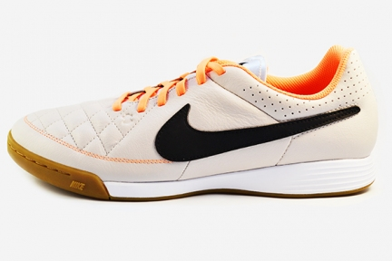 Футзалки Nike Tiempo Genio IC (631283-008)
