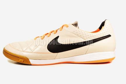 Футзалки Nike Tiempo Legacy IC (631522-008)