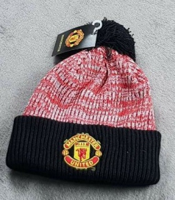 Шапка зимняя Манчестер Юнайтед чёрно-красная
