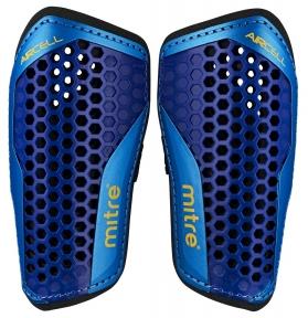 Футбольные щитки MITRE Aircell Carbon Slip (S70004BCY)