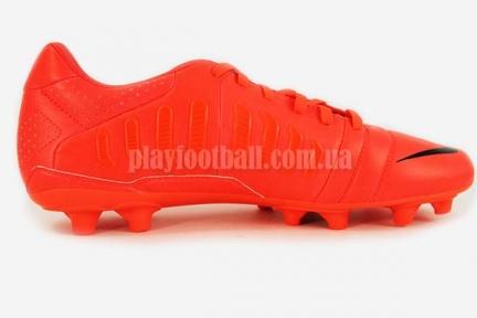 Футбольные бутсы Nike CTR360 Libretto III FG (525170-600)